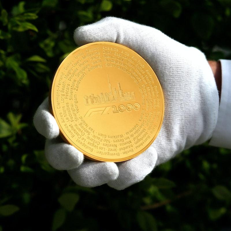 Formula 1<sup>®</sup> 1000 Kilo Gold Coin